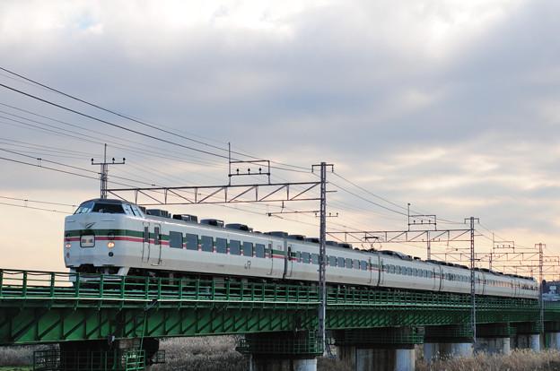 多摩川橋梁を渡る189系電車