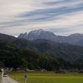 Photos: 剱岳、うっすらと紅葉のグラデーション