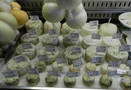水牛乳製のチーズ