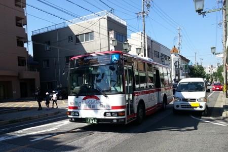 20141025_114549 朝日町西 - みぎまわり循環線バス代車