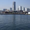 Photos: 2月28日、大さん橋からの風景-みなとみらい方面(1)