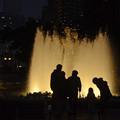 2月28日夕方、山下公園にて-大噴水