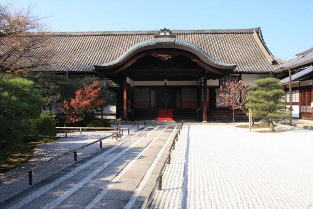 寺務所玄関