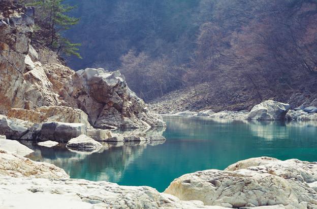 玉翠の水と龍の岩