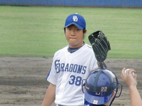 030 そして、斉藤が試合を締めます