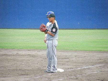 041 あ、良く見たら中田だね、日ハムの1塁は