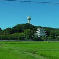 写真: 名鉄瀬戸瀬から見た城山公園・旭城 - 05