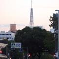写真: 市役所交差点から撮影した名古屋テレビ塔