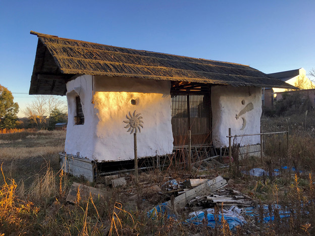 山下しずおが公約違反して勝手に土地の一部を売却しようとしてる、小牧市農業公園予定地 - 13:モリゾーの家(売却予定地)