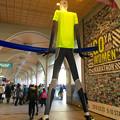 写真: ナナちゃん人形、昨日(3月12日)は「ウィメンズマラソン」仕様♪ - 1