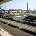 写真: 県道195号:光ヶ丘第二駐車場出入り口前