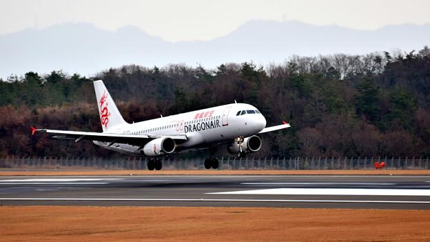 B-HSN_香港ドラゴン航空_エアバスA320-2