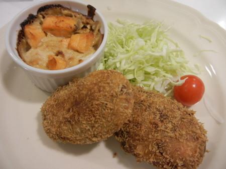 サクサクすき焼きコロッケ&サーモンと白菜の和風グラタン