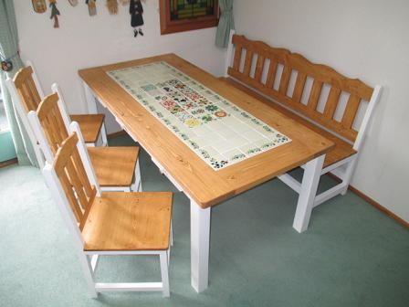 メキシコタイルのダイニングテーブル