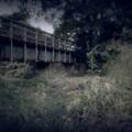 廃鉄橋とボンベ.......