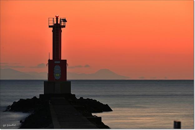 写真: 遠目の富士山 160114