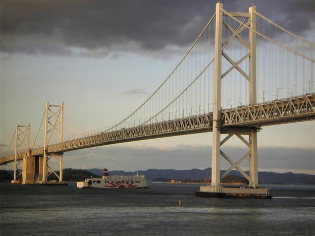 瀬戸大橋とサンフラワー