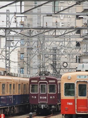 阪急5100系 阪神尼崎駅03