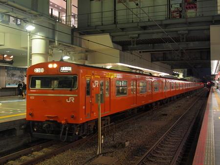 103系普通  大阪環状線大阪駅02