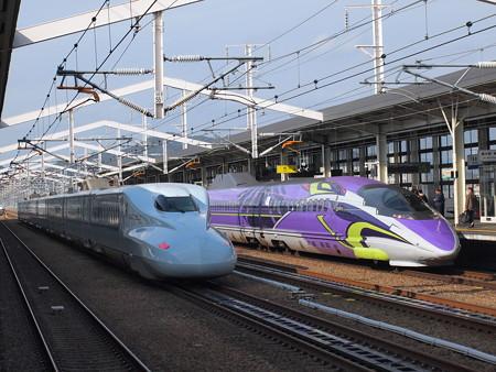 N700系さくらと500系TYPE EVAこだま 山陽新幹線姫路駅