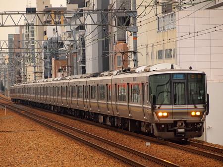 223系新快速 東海道本線さくら夙川駅01