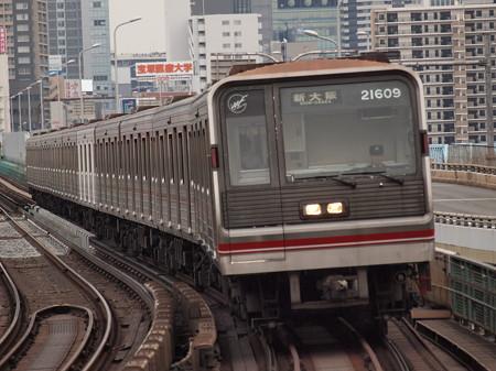 大阪市営地下鉄20系 御堂筋線西中島南方駅02
