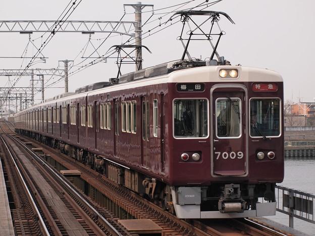 阪急7000系特急  阪急神戸線神崎川駅05