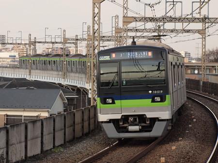 都営10‐300形快速  京王相模原線稲田堤駅03