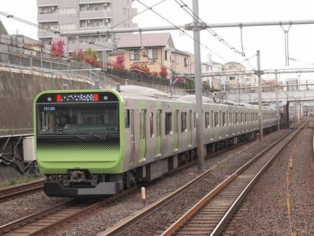 E235系普通  山手線鶯谷駅02