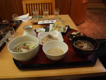 会津の蕎麦とごつゆ