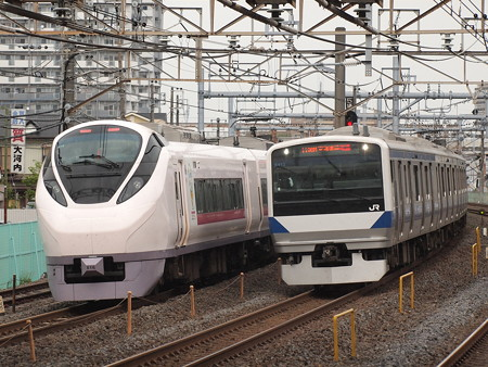 E531系普通とE657系特急ひたち 常磐線北松戸駅
