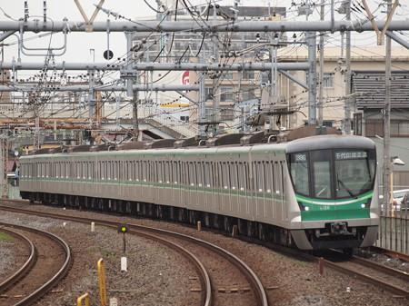 メトロ16000系各停    常磐線北松戸駅02