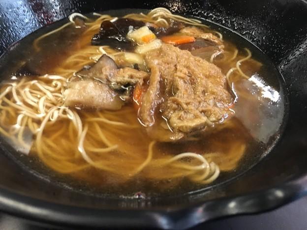 朝の拉麺と湯包のお店 (4)