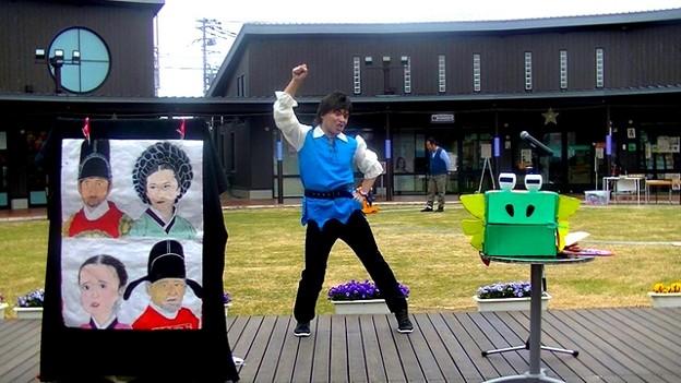うちゅうへGo!を踊るおにいさん