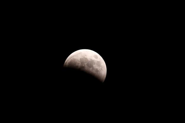 18:36皆既月食(1)手持ちIMG_6501