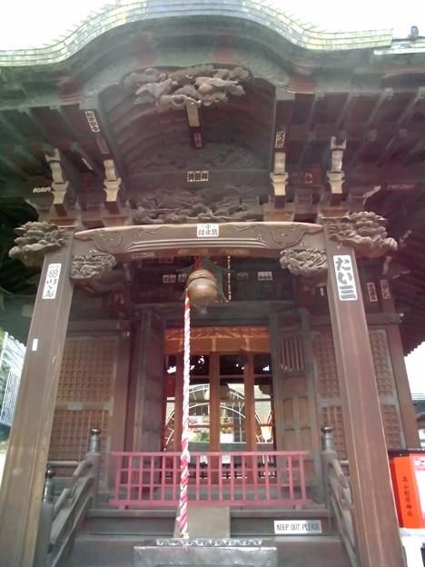 品川駅高輪口界隈_高山(稲荷)神社-02社殿c