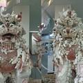 写真: 宮古島貝殻シーサー