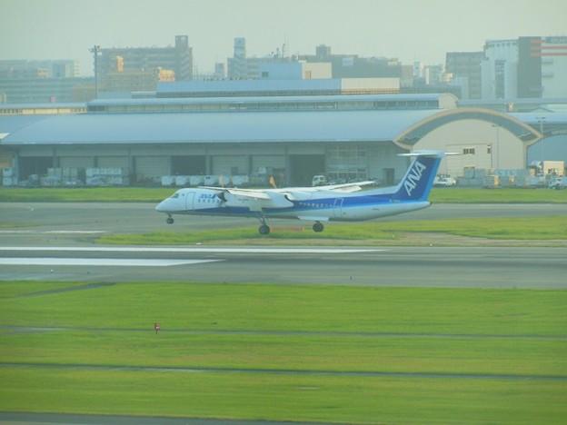 プロペラ機着陸~福岡空港