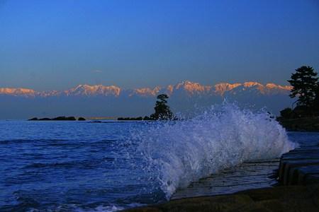 雨晴海岸から 立山連峰