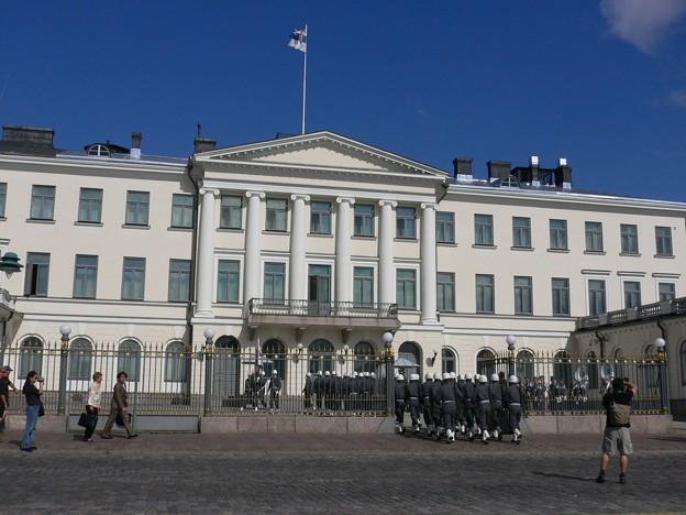 フィンランド首相官邸へ!どどどどど…