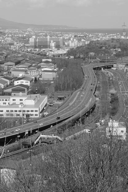室蘭・輪西駅付近(モノクロVer)
