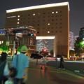 Photos: そして、3人は夜の横浜に消えて行きました。