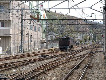 EF64-37(甲府駅)