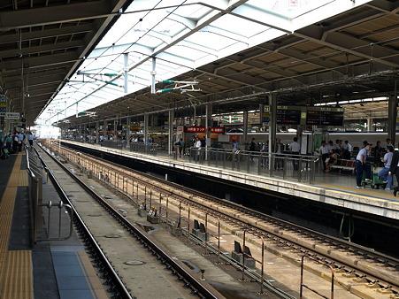 新大阪駅20番線