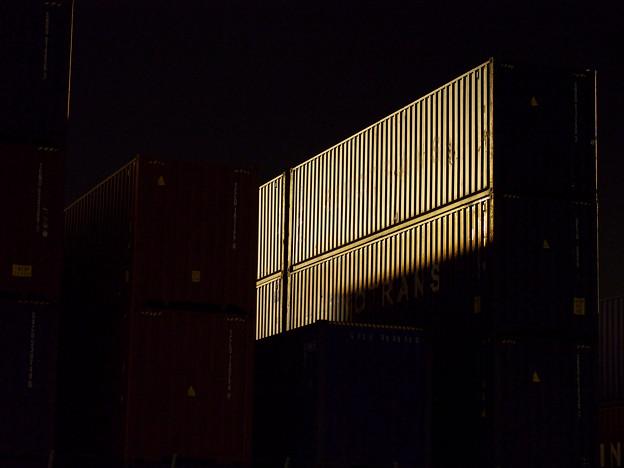 Photos: 3520_夜に浮かぶコンテナ