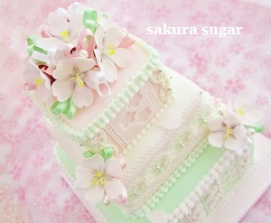 桜の3段ケーキ