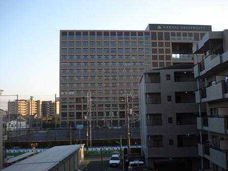20091227 某大学の建物完成間近