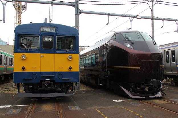 クモヤ143系とE655系 - 写真共有...