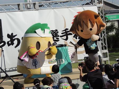 9/5(土) 太田川駅前どんでん広場に ご当地キャラクターも大集合でした。