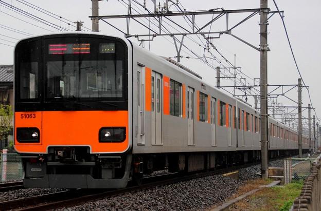 E1052T 51063F(2016/4/13 一ノ割-春日部間にて)